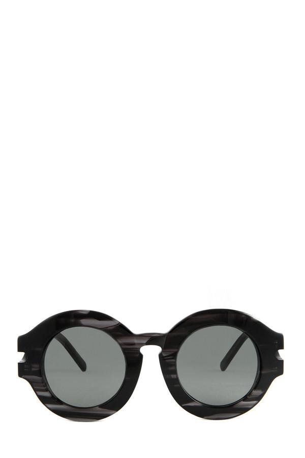 Marbled Black Rummy Frame