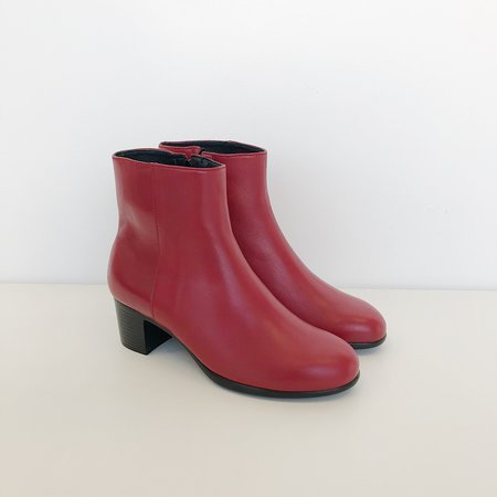 Hopp Zip Up Ankle Boot - Wine