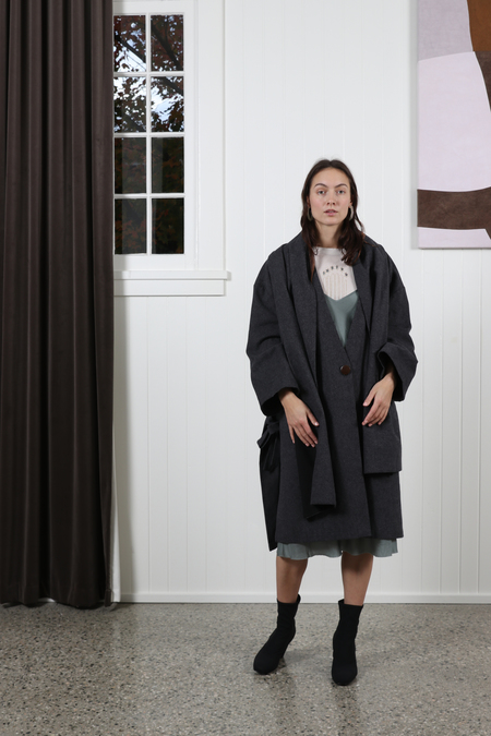 Vestige Story Acuity Coat - Charcoal