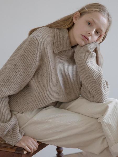 HIER Nep Collar Knitwear - Oatmeal