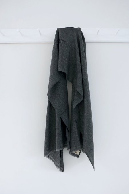 Karu Wool Scarf - Charcoal Grey