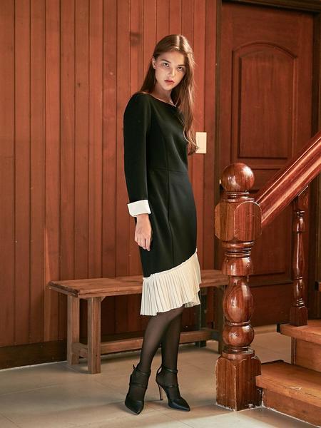 DEBB Unbalance Pleats Dress - Black