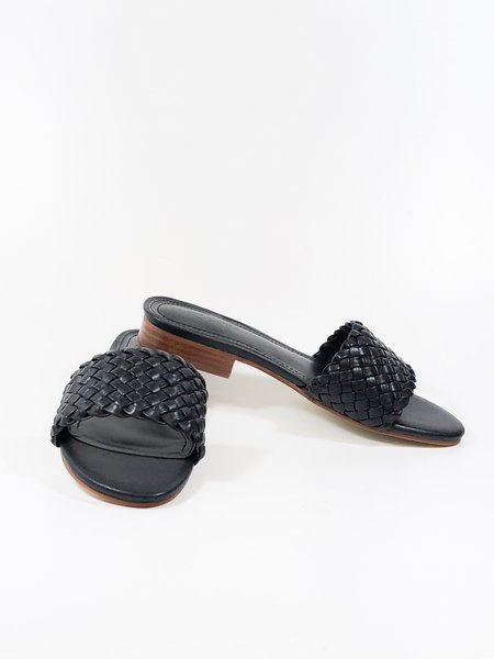 a over a shoes cleo - black