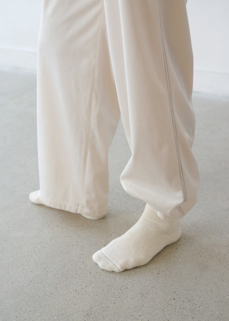 AMOMENTO VELVET SWEAT PANTS