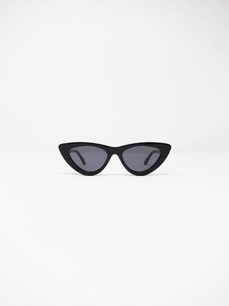Chimi 006 Berry Cat Eye Sunglasses - Black