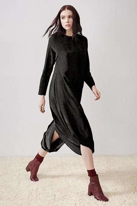 Rujuta Sheth September 2 Way Slit Dress - Noir