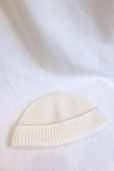 UNISEX AMATO CASHMERE RIB CAP - WHITE