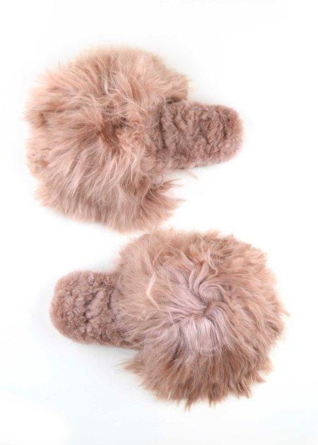 Ariana Bohling Suri Alpaca Slide - Blush