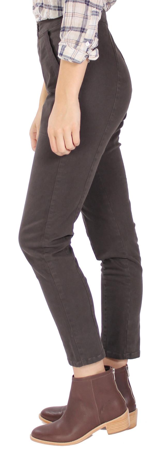 Dancehall Legging in Graphite