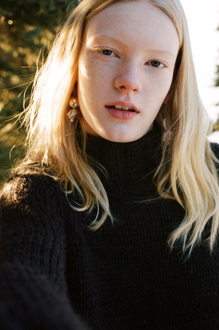 Urbanovitch Hand Knit Turtleneck Sweater - Dark chocolate