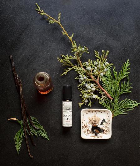 Essential Apothecary Alchemist DASOS Oil Perfume