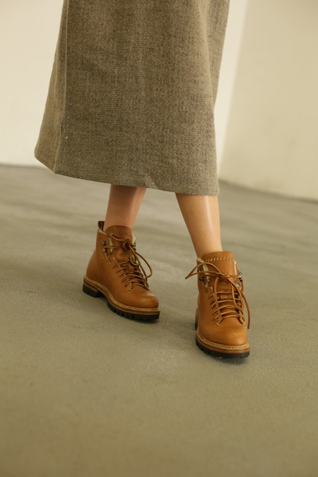 FEIT Whipstitch Wool Hiker - Tan