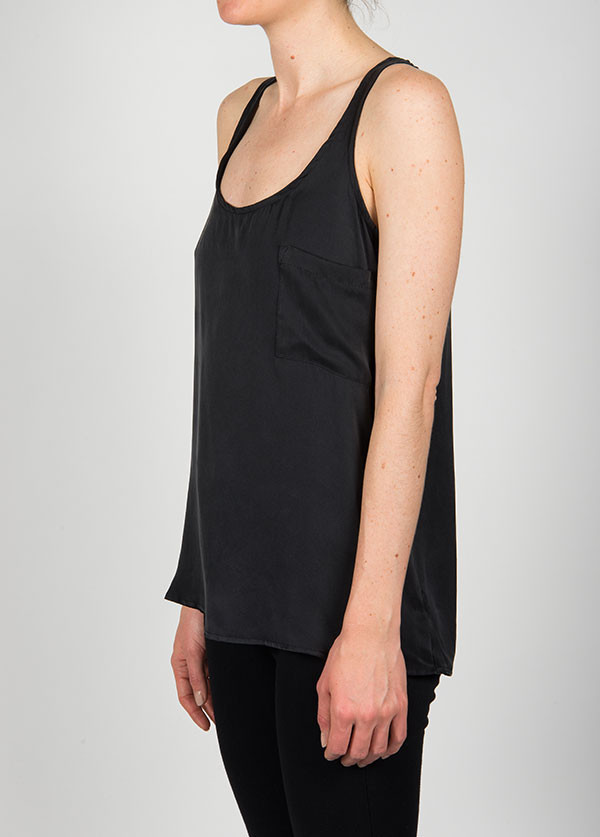 DOLAN - SLEEVELESS POCKET SCOOP