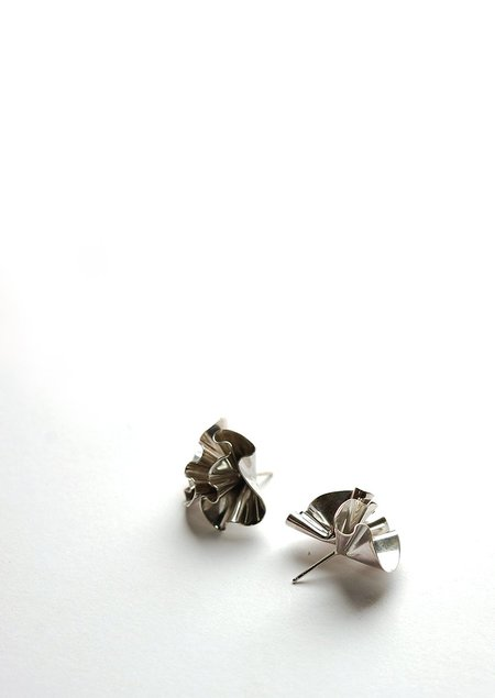 Tiro Tiro Floreo Earrings - Silver