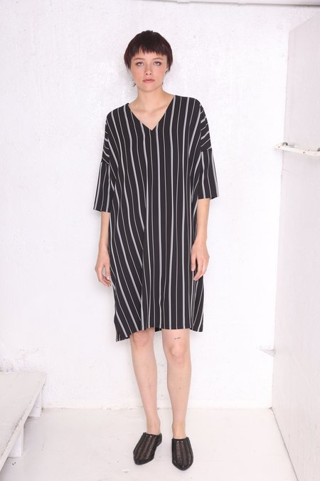 """""""INTENTIONALLY __________."""" COPLEY Tunic - Blk/Wht"""