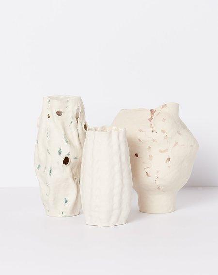 Lily Fein Ribbed Vase - white