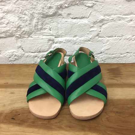 A Détacher Blackwell Sandal in Green Leather/Navy Suede