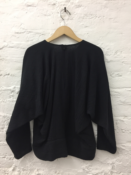 A Détacher Ty Top in Black Cotton Gauze