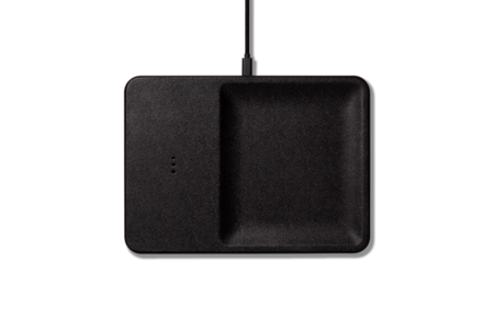 Courant WIRELESS LEATHER CHARGER AND ACCESSORY ORGANIZATION - BLACK