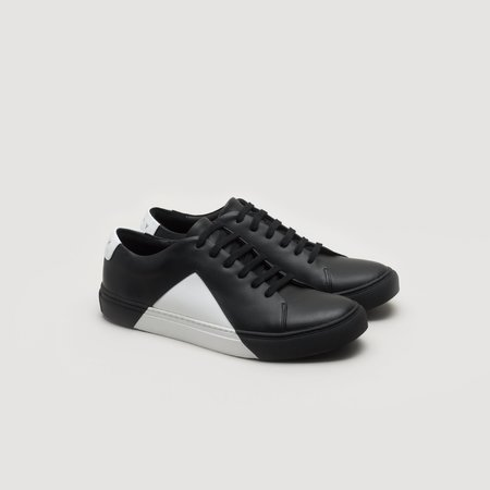 THEY Triangle Low Sneaker - Black/White