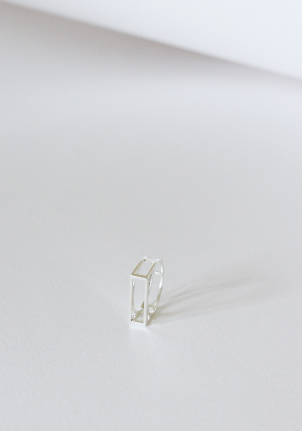 Mute Object Frame Silver Ring