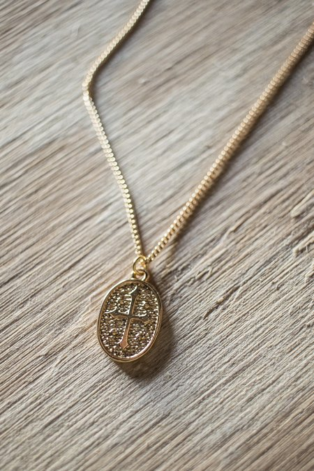 Kalliste Vermeil Oval Cross Medallion Charm Necklace - 18k Gold