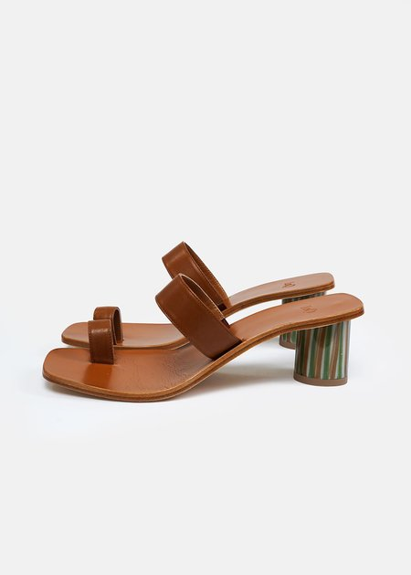 LOQ Tere Sandals - Flan