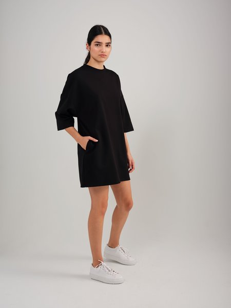 Odeyalo Well T-shirt Dress - Black