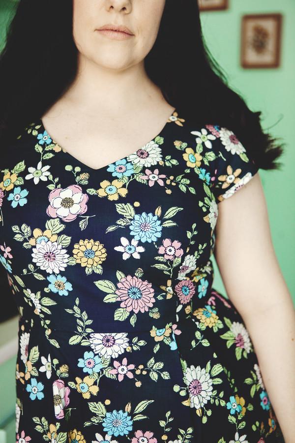 Birds of North America Gander Dress (Navy Floral)