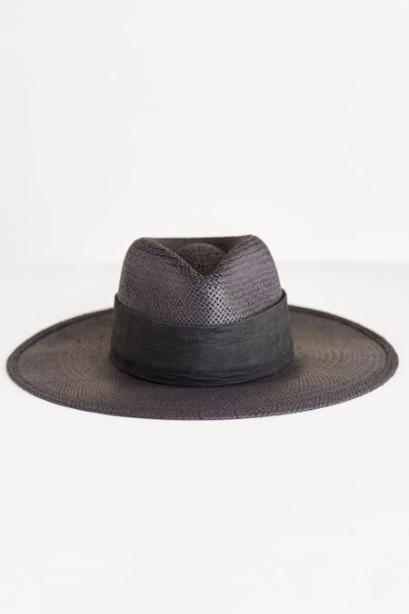 JANESSA LEONE ROSE STRAW HAT - BLACK