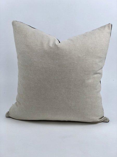 Bryar Wolf Tahan Mud Cloth Pillow - Black