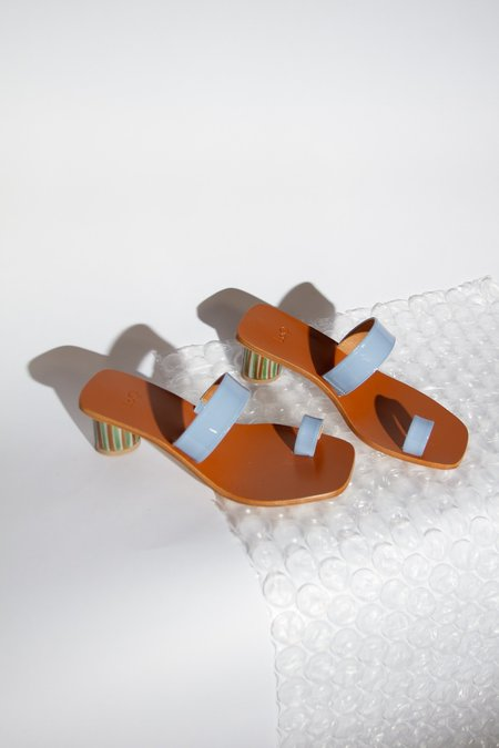 LOQ Tere Mar Patent Leather Sandal - Multicolored