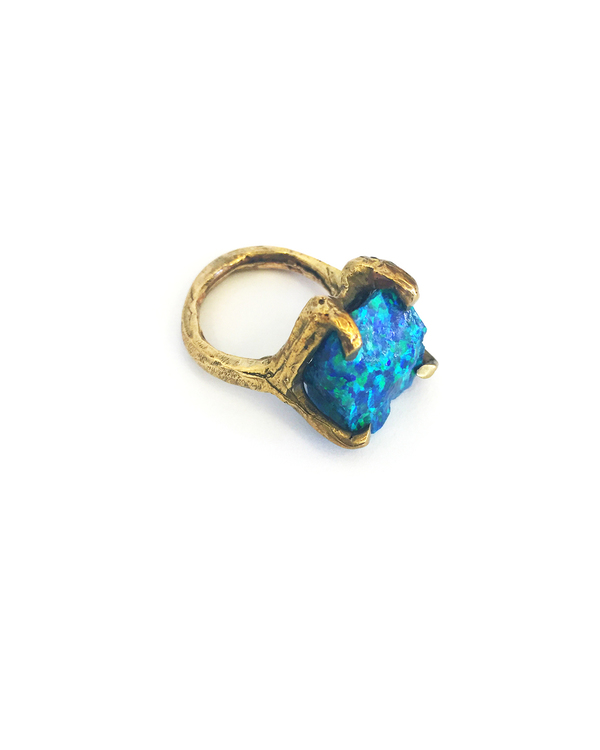 Unearthen Dirae Ring with Peacock Opa