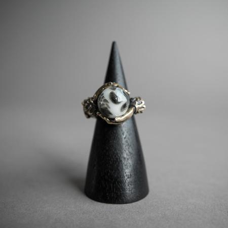 Omnia Oracle Ring - Glowing Moon