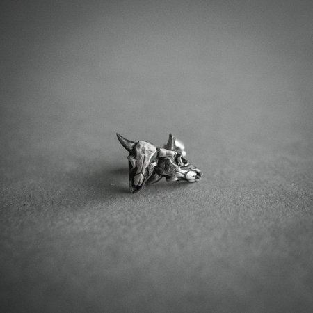 Theeth Buffalo Skulls Stud Earrings - SILVER