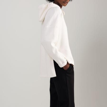 Odeyalo Jatoba Hoodie - white