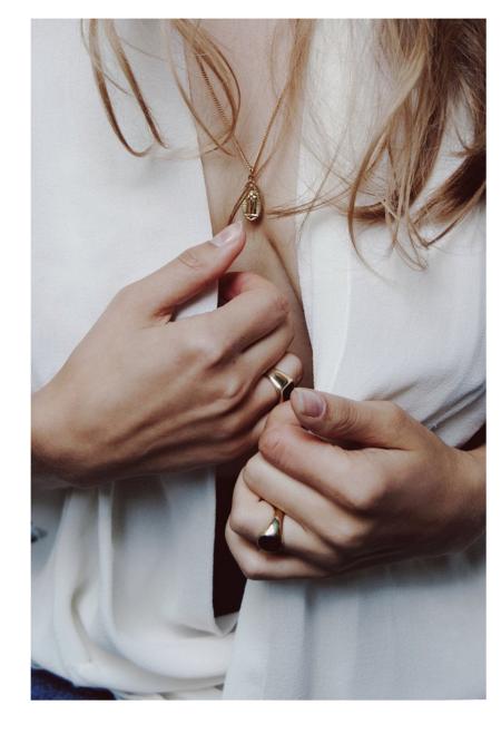 Vayu Jolie Ring with Onyx