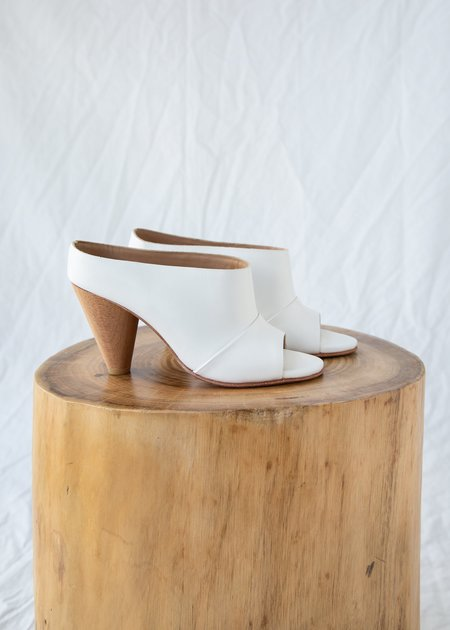 A Détacher Freidan Mule - White Leather