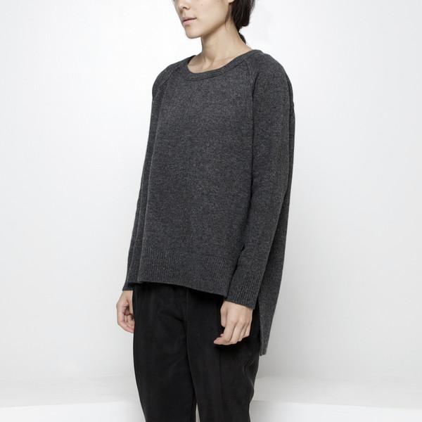 7115 by Szeki Exposed Seam Sweater FW15 - Gray