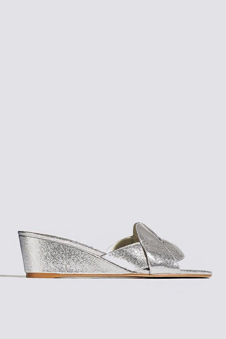 """""""INTENTIONALLY __________."""" Tippy Sandal - Silver"""
