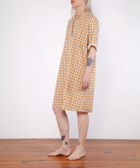Hartford Random Dress With Print - GOLD