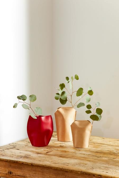 GRAF LANTZ Bana 1 Single Short Leather Vase