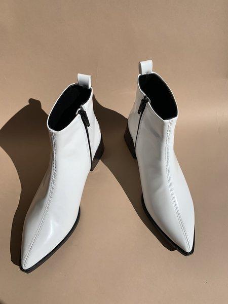 Miista Elin Shoes - White