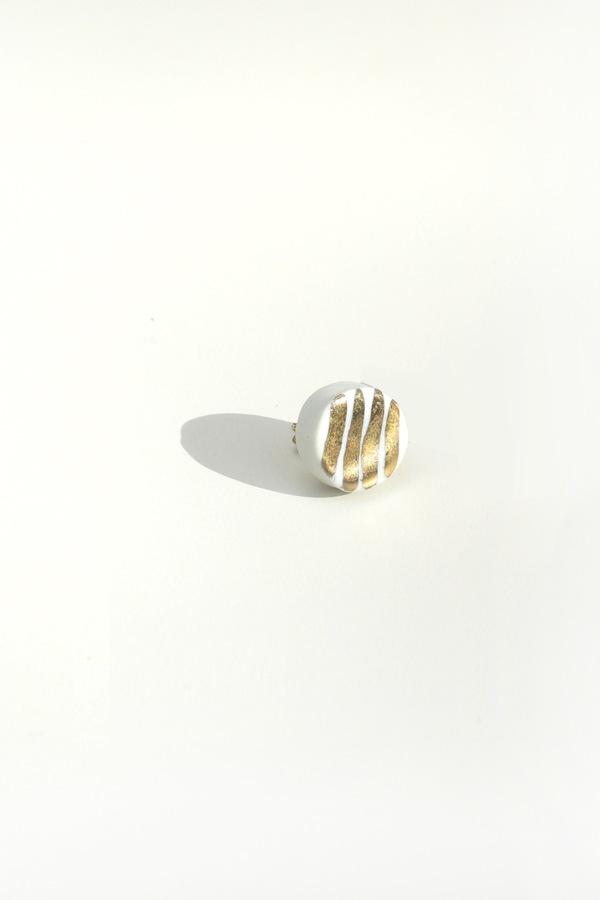 Jujumade 14K gold striped circle earring