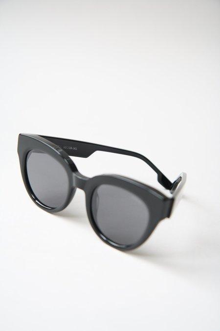KOMONO Lucile Sunglasses - All Black