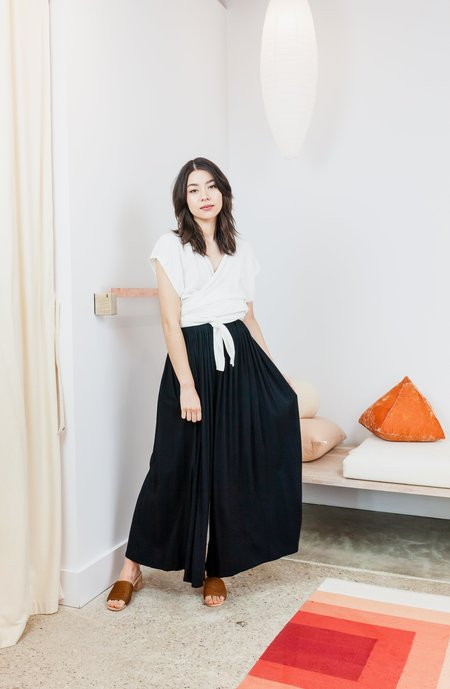 Miranda Bennett Rayon Hepburn Pant - Black