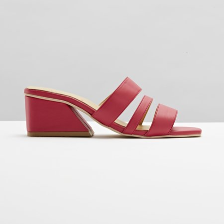 Mesa Shoes Hayes Three Strap Mule - Berry
