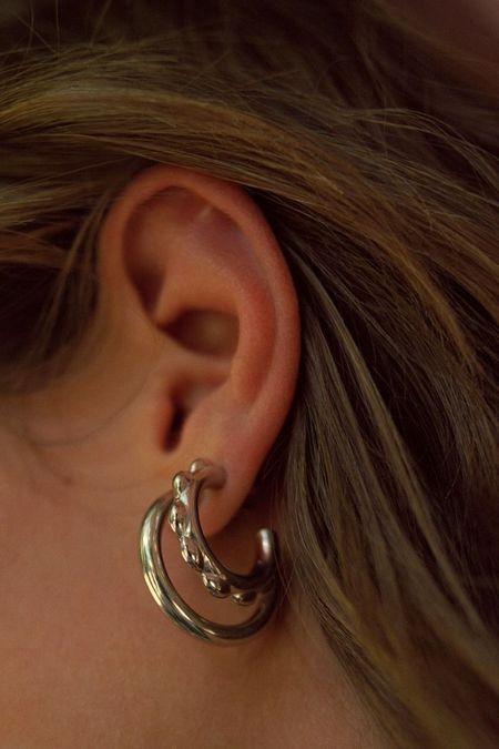 Maria Black Poppy Earring (Single) - Silver