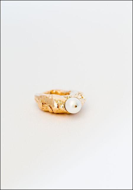 Miriam Nori Pearly Peak Ring - bronze/pearl
