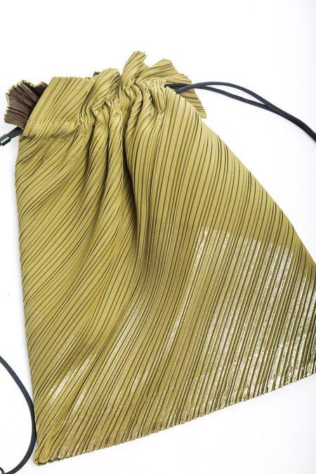 Issey Miyake Medium Drawstring Pleated Bag - Olive